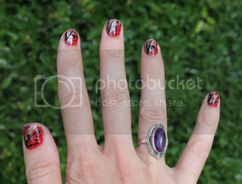 DIY nails- Red, Silver and Black, www.stitchmachine.blogspot.com